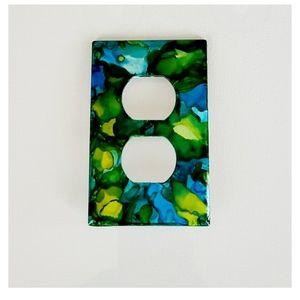 Green Abstract Design Duplex Outlet Wall Plate